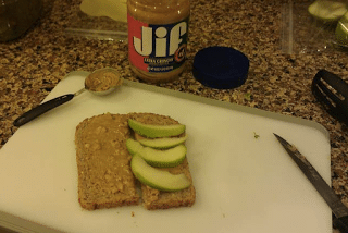 A Great Snack: Green Apple and Peanut Butter Sandwich