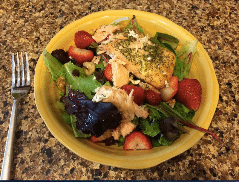 Summer Salmon and Strawberry Salad with White Wine Dressing