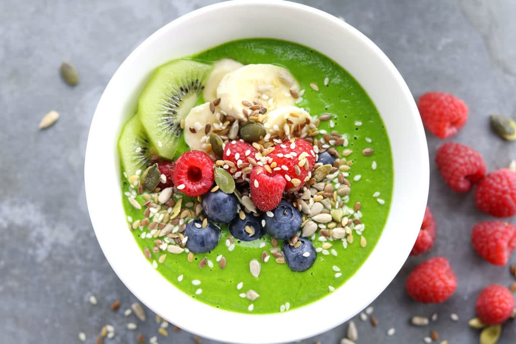 green-smoothy-bowls-1