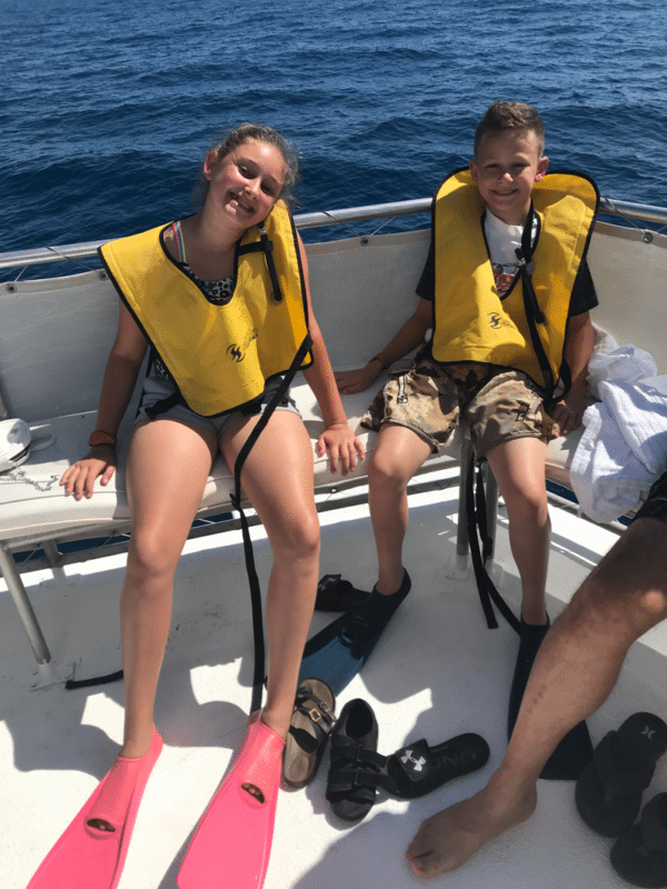 2 kids ready to go snorkeling.