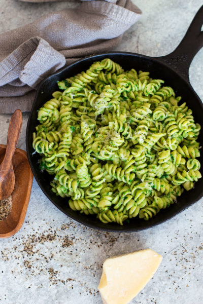 Spinach Pasta with Avocado Sauce