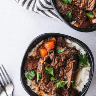 low-carb braised beef with gravy served with cauliflower mash